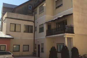 Tri stanovanja v večstanovanjski hiši Maribor