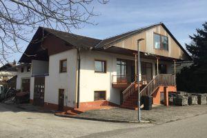 Stanovanjska hiša z gospodarskim poslopjem, Leskovec pri Krškem